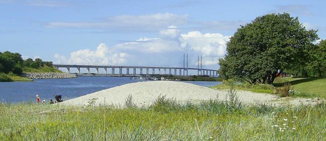 Öresundbrücke vom Ufer gesehen