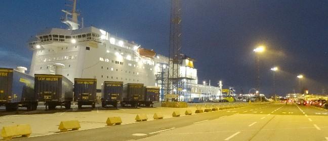 Fähre Rostock Trelleborg bei Nacht