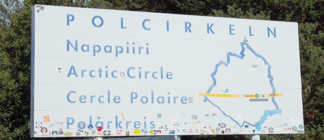 Polarkreis - schwedische Hinweistafel