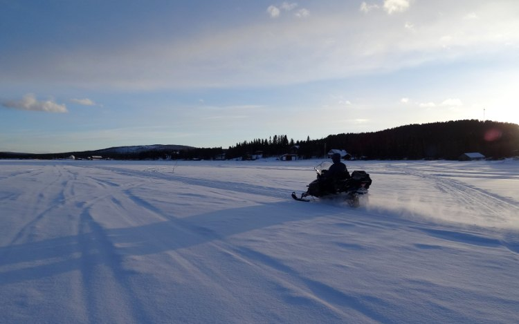 Jukkasjärvi: Snowmobil