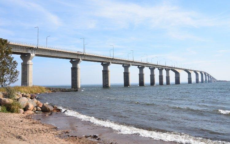 Ölandbrücke: Blick vom Festland